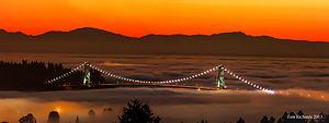 Lions Gate Bridge - Image: Lion's Gate Bridge at Sunset