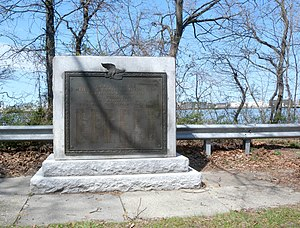 Livingston, Staten Island - Livingston War Memorial