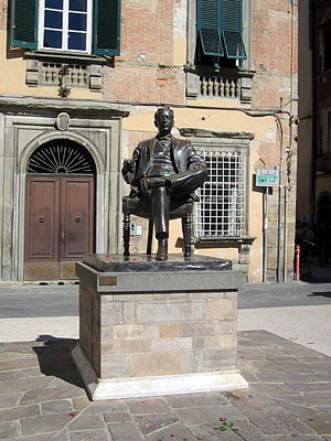 Festival Puccini - Monument to Puccini close to his birthplace in the nearby town of Lucca