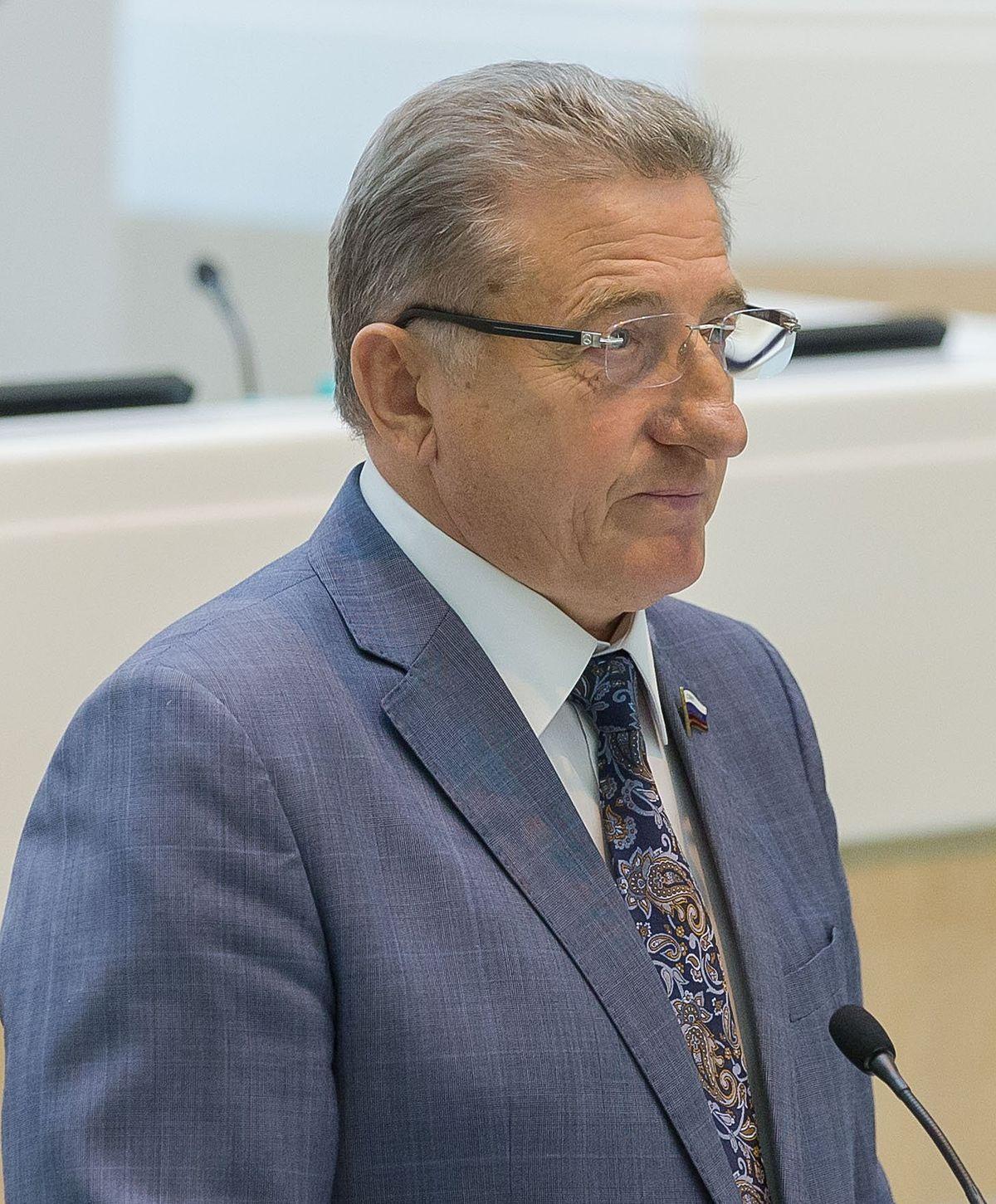 Член федерального собрания лукин сергей николаевич биография награды