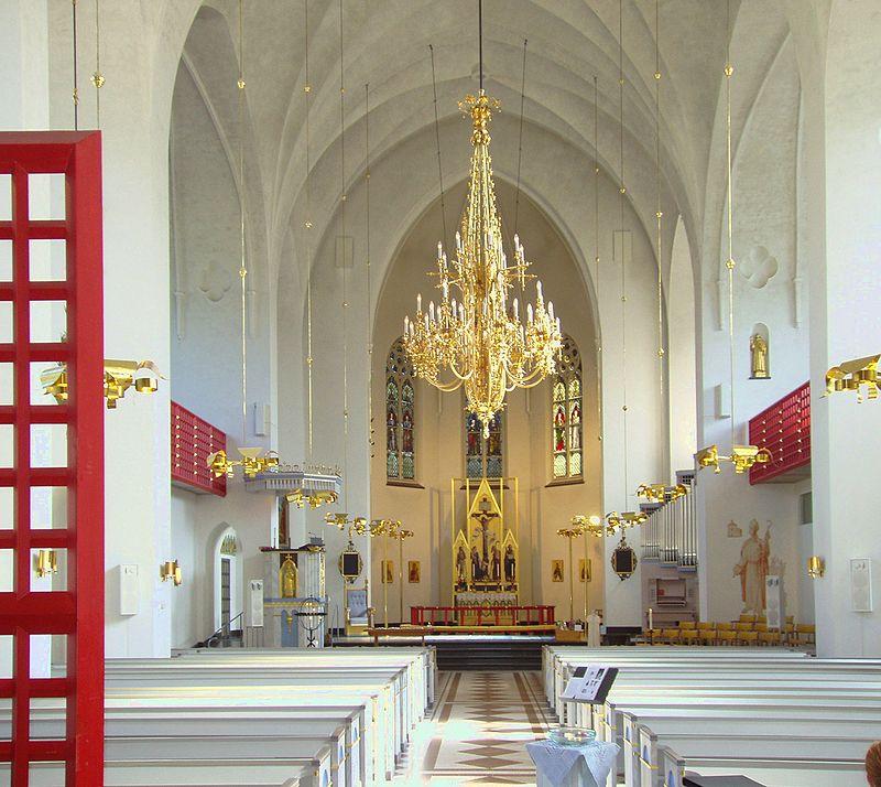 Fil:Luleå-cathedral-inside1.jpg