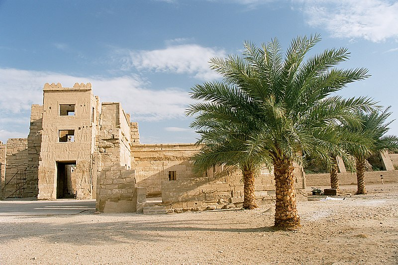 File:Luxor, Medinet Habu, Egypt, Oct 2004 B.jpg