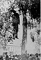 Lynching of Jay Lynch for the killing of Sheriff Harlow and Walter Harlow 1919.jpg