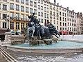 Lyon 1er - Place des Terreaux, fontaine Bartholdi.jpg