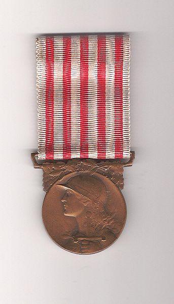 File:Médaille.JPG