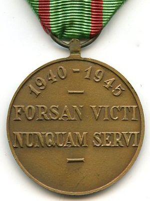 Civilian Disobedience Medal - Image: Médaille du Réfractaire Belgique Revers