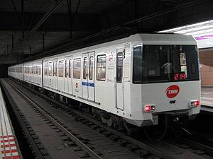 Encants (Barcelona Metro) - Encants station platforms