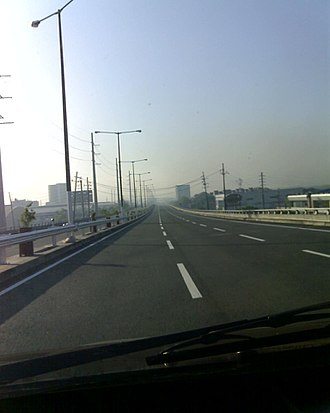 Philippine expressway network - Skyway, the first elevated toll road in the Philippines