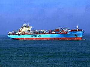 Maersk Greenock p5 approaching Port of Rotterdam, Holland 08-Apr-2007.jpg