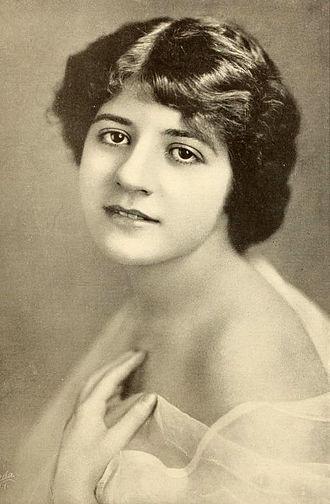 Marguerite Snow - Image: Marguerite Snow 1917