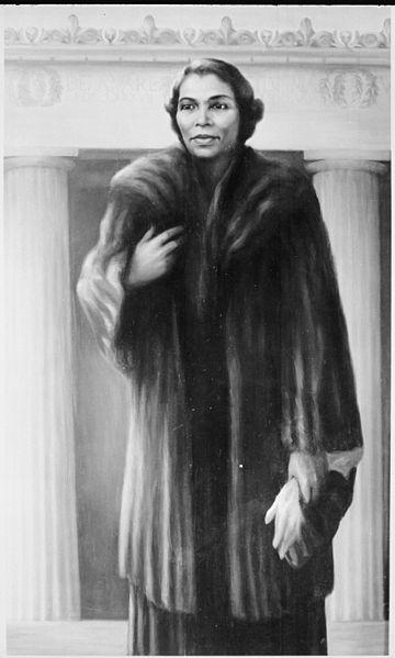 File:Marian Anderson - NARA - 559192.jpg