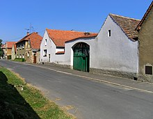 Martiněves, old farm.jpg