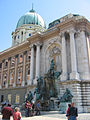 Matthiasbrunnen (Budapest Schloss).jpg