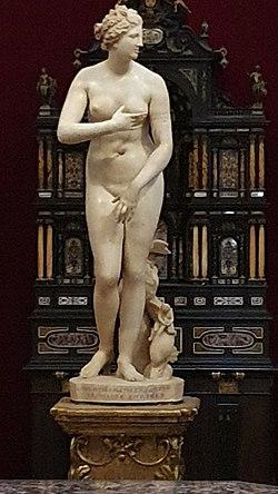 Medici Venus (Uffizi).jpg