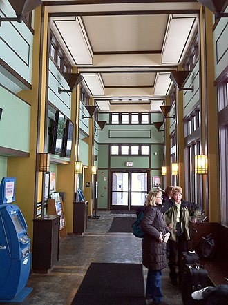 Milwaukee Airport Railroad Station - Station interior