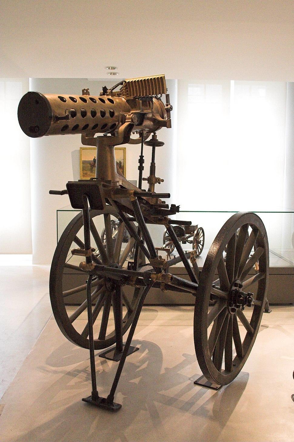 Mitrailleuse Gatling APX1895 Paris FRA 001