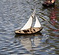 Model Yacht 1 (4592222250).jpg