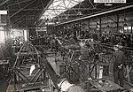 Montagehal van de Koolhoven Vliegtuigenfabriek op het vliegveld Waalhaven in Rotterdam, 1939.jpg