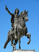 Montpellier (34) Promenade du Peyrou Statue de Louis XIV - 01.JPG