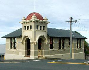 Mornington, Dunedin - Mornington's distinctive former post office building in Mailer Street.