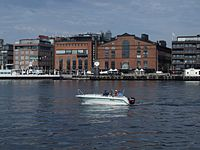 Motorboat in Oslo harbour.jpg