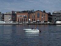 Motorboat in Oslo harbour.jpg