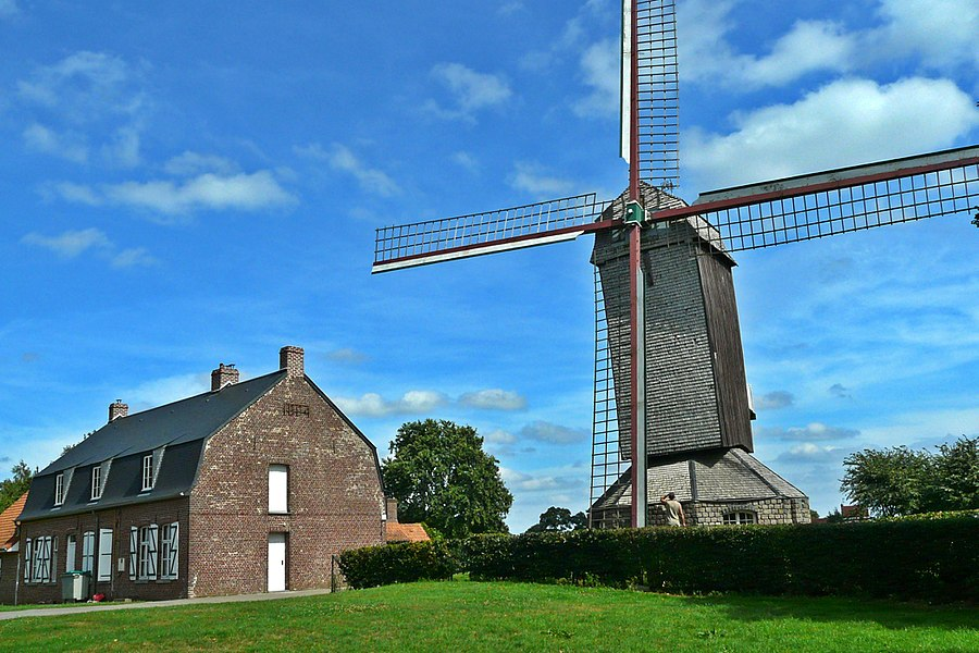 The Ondankmeulen (the thanklessness windmill) and the De Vierpot estaminet in Boeschepe, Nord department, France