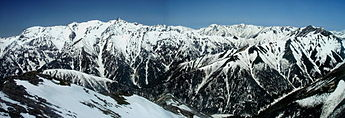 Mount Yari from Mount Jonen 2004-05-02.jpg