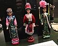 Museum für Völkerkunde zu Leipzig, Puppen mit Trachten ethnischer Minderheiten Nordostchinas.jpg