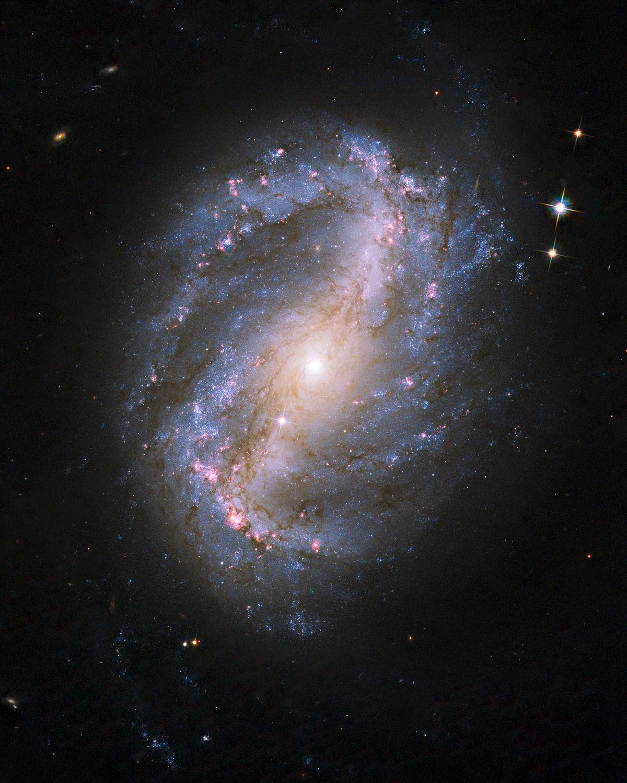 NGC 6217 hs-2009-25-bc-full jpg.jpg