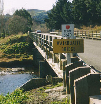 New Zealand state highway network - State Highway 1 crosses the Waikouaiti River in Otago, 667.0 kilometres from Picton.