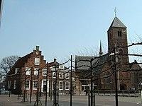 Naaldwijk kerk met Wilhelminaplein.JPG
