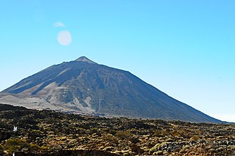 Canary Islands - Mount Teide, the highest mountain in Spain, is also one of the most visited National Parks in the world.