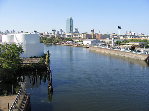 Newtown Creek from Greenpoint Avenue Bridge 02