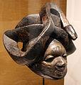 Nigeria, yoruba, maschera gueledé in legno patinato.JPG