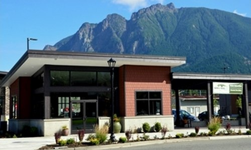 North Bend Visitor Information Center %26 Mountain View Art Gallery