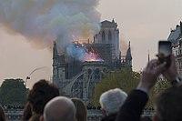 Notre-Dame en feu, 20h01.jpg
