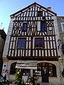 Noyers-sur-Serein - Place de l'hotel de ville 13.jpg