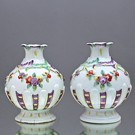 Nymphenburg: Pair of small table vases, probably by J. Häringer, ca 1760