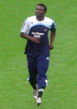 Obafemi Martins - Martins warming up before a match