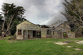 Selwyn, New Zealand - Ruins of a house in Selwyn