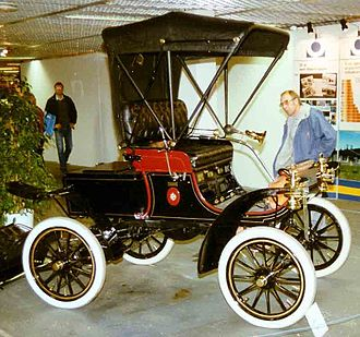 Oldsmobile Curved Dash - Image: Oldsmobile Curved Dash Runabout 1904