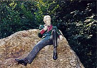 Oscar Wilde statue, Merrion Square 1998.jpg