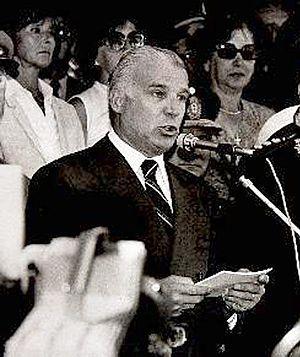 Osvaldo Cacciatore - Cacciatore in 1982.