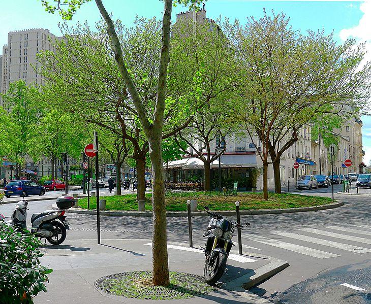 Fichier:P1090858 Paris XIII place des Alpes rwk.JPG