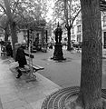 P1330681 Paris VI place Laurent-Terzieff rwk.jpg