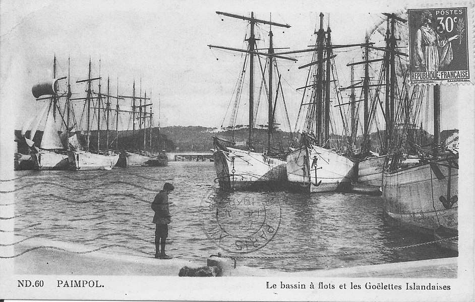Paimpol-Watershed and icelandic sloops (Côte-d'Armor, France). Timestamp is at 1938.