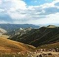 Paisaje montañoso de Vardenis.jpg