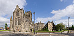 Paisley Abbey from the west - crop.jpg