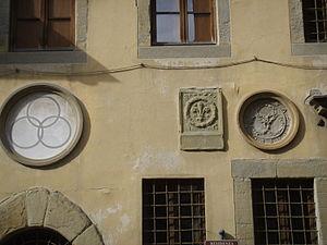 Palazzo dell'Arte dei Beccai - Image: Palazzo dell'arte dei beccai 04 stemmi facciata